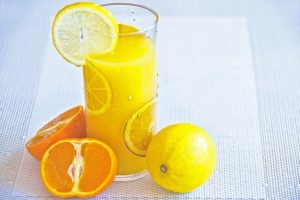 a-glass-of-juice-1332104_640
