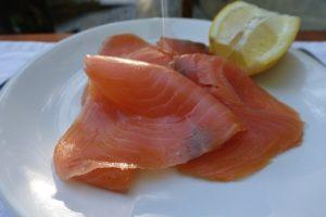 fresh-smoked-salmon-1776533__340